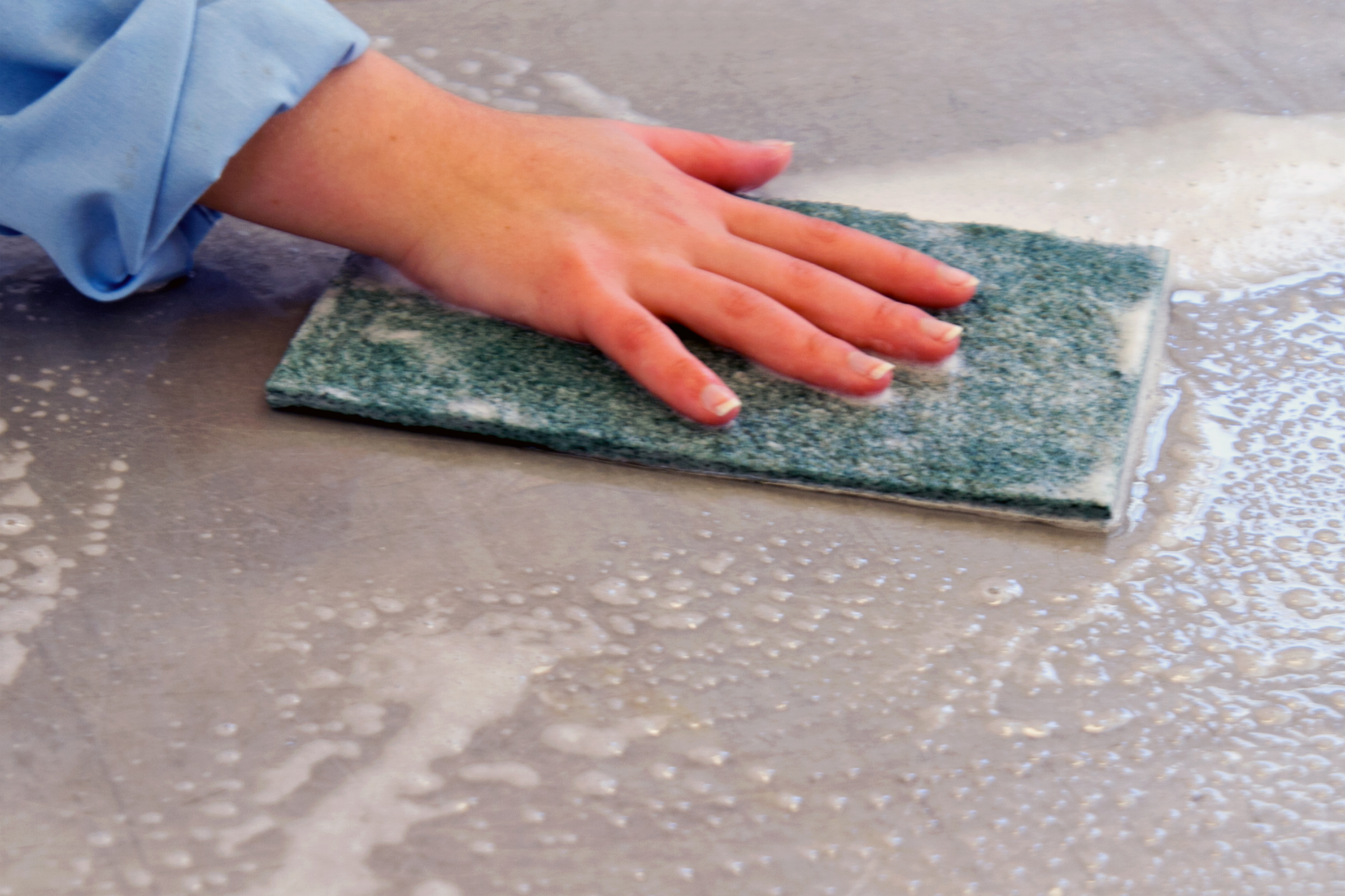 Cleaning surface - Nettoyage de joints de carrelage ...